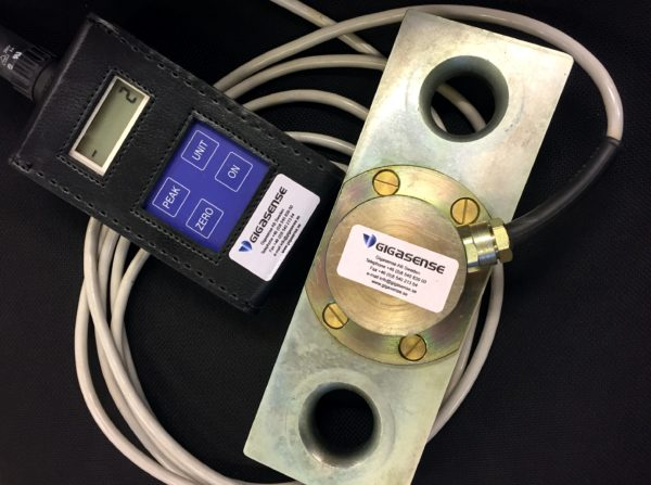 Loadlink with readout instrument